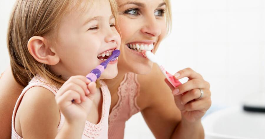 , Çocuk Dişlerinde Florür Uygulaması